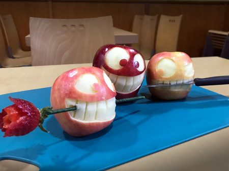 Manzanas talladas - caras