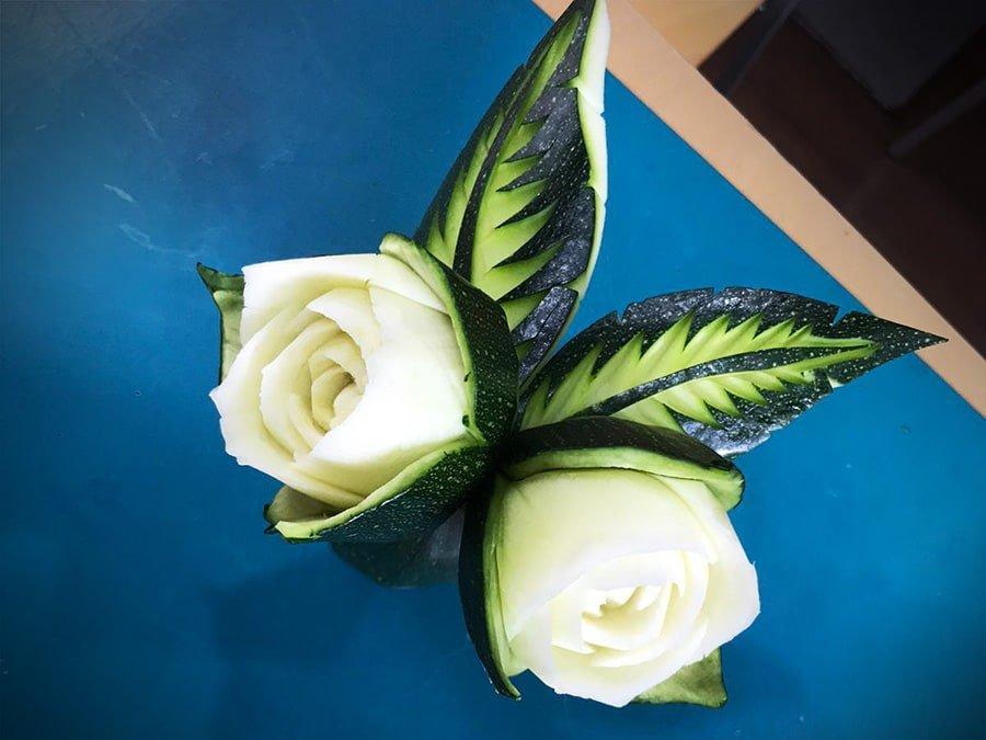 Una rosa en un calabacín